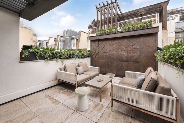 Thumbnail Terraced house for sale in Half Moon Street, Mayfair, London