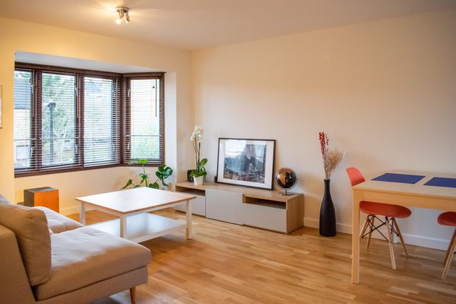 Thumbnail Flat to rent in Hargrave Park, London