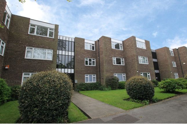 Thumbnail Flat to rent in Woodside, Ashley Road, Walton-On-Thames