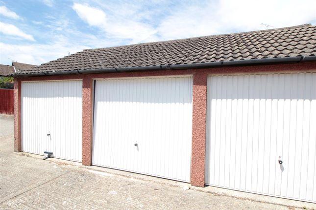 Parking/garage to rent in Hillingdale, Crawley