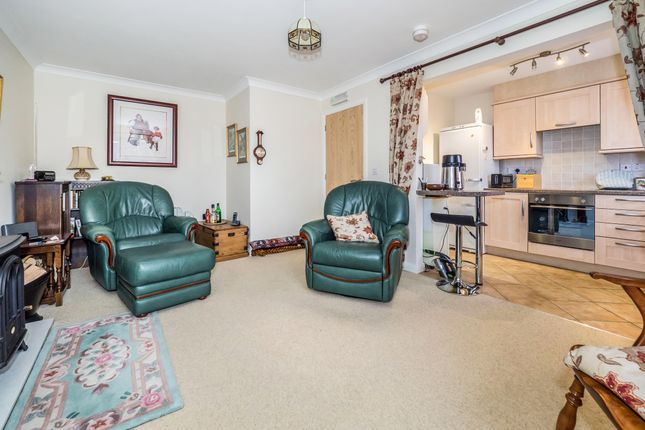 Thumbnail Flat to rent in Kingfisher Close, Stalham, Norwich