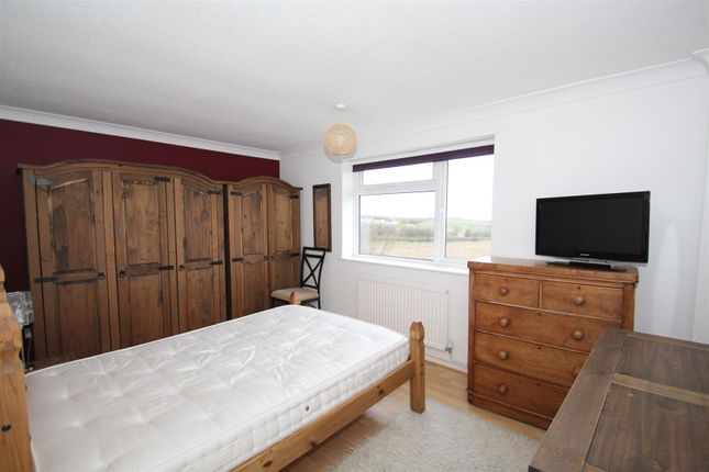 Bedroom 1 of Williams Close, Hanslope, Milton Keynes MK19
