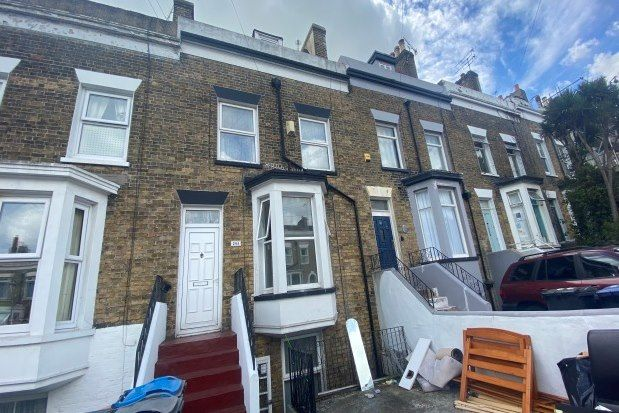 2 bed flat to rent in 30 Vale Road, Ramsgate CT11