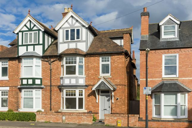 Thumbnail Town house for sale in Percy Street, Stratford-Upon-Avon