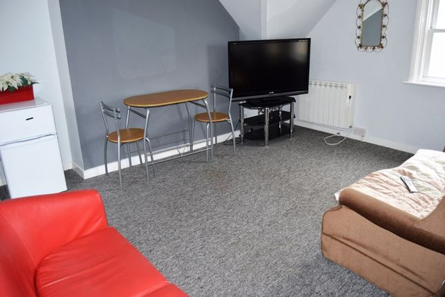 Thumbnail Property to rent in St. Thomas Street, Ryde
