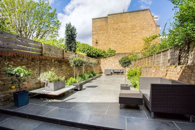 Thumbnail Terraced house for sale in Bow Road, London