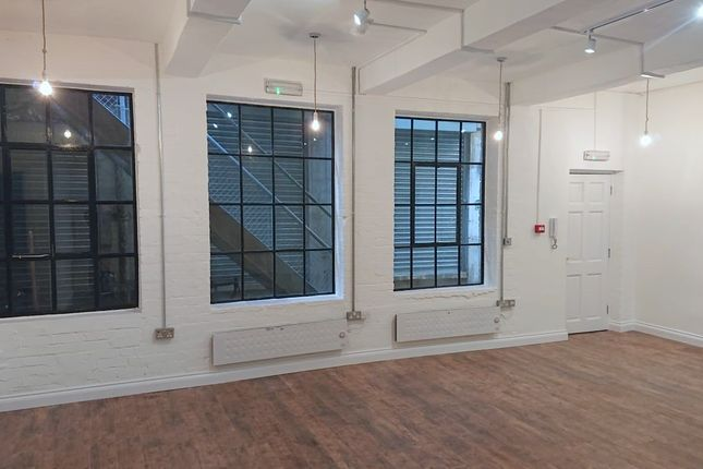 Thumbnail Office to let in Unit D Taylor's Yard, 160 Brick Lane, London