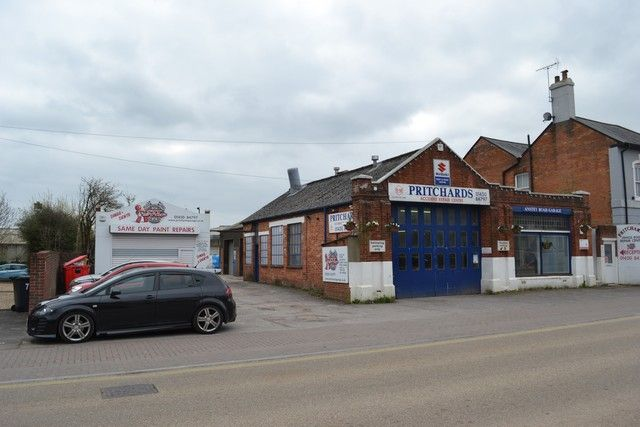 Light industrial for sale in Anstey Road, Alton