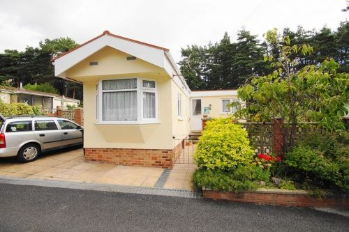 Thumbnail Mobile/park home for sale in Ringwood Road, St. Ives, Ringwood