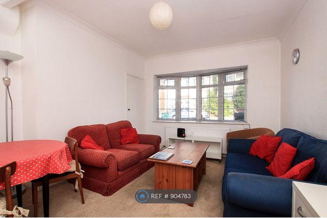 Lounge of Milner Road, Brighton BN2