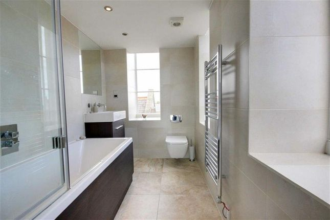 Bathroom: of Royal Connaught Drive, Bushey WD23