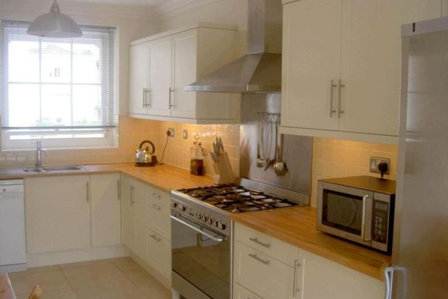 Thumbnail Terraced house to rent in Monks Rise, Welwyn Garden City