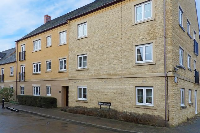 Thumbnail Flat to rent in Mead Lane, Witney, Oxfordshire