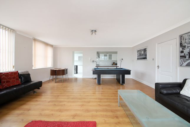 Thumbnail Flat to rent in Regents Canal House, 626 Commercial Road, London