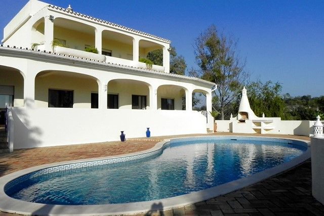 3 bed villa for sale in Portugal, Algarve, Loule