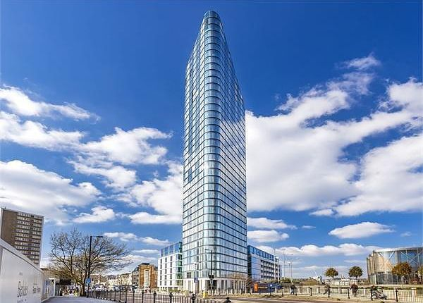 Thumbnail Flat for sale in Chronicle Tower, London