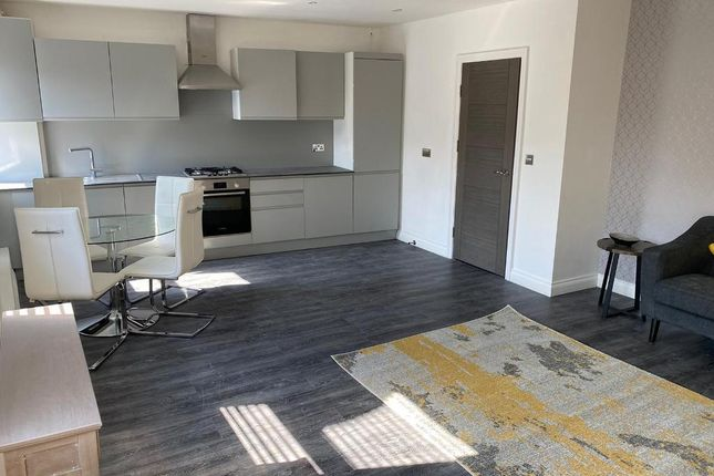 Flat for sale in Station Approach, Ashford, Middlesex