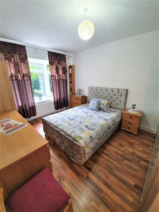 Thumbnail Flat for sale in Clarence Road, London