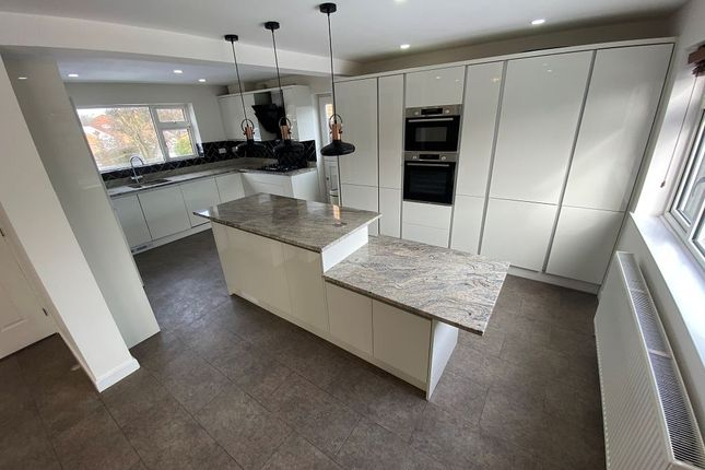 4 bed detached house to rent in Tiverton Close, Oadby, Leicester LE2