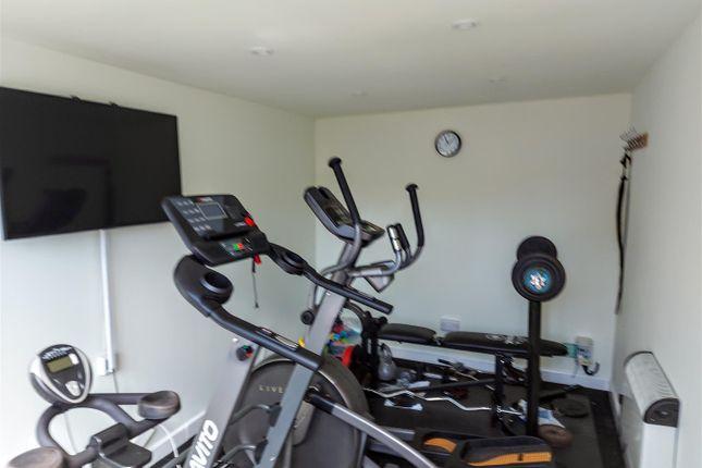 Exercise Room of Hamlet Hill, Roydon, Essex - Chain Free CM19