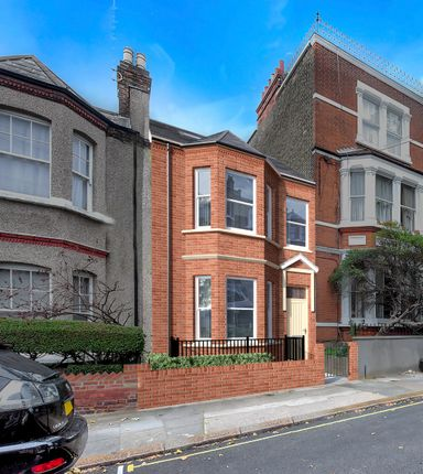 Thumbnail Terraced house for sale in Iveley Road, London