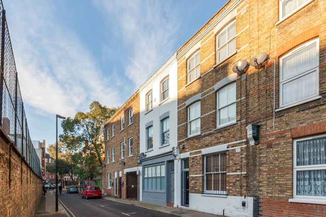 Thumbnail Property for sale in Virginia Road, Shoreditch