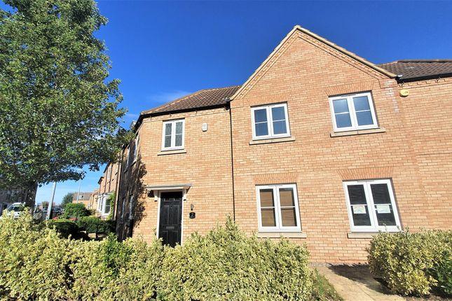 Thumbnail Semi-detached house to rent in Kingfisher Drive, Leighton Buzzard