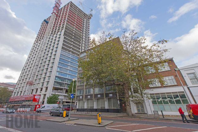 Flat for sale in Two Fifty One, Southwark Bridge Road, Elephant And Castle, London