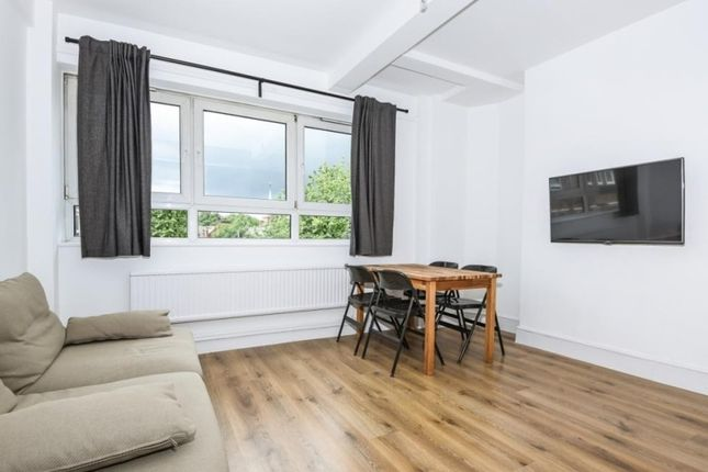Thumbnail Terraced house to rent in Cromwell Road, Salford