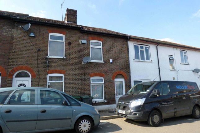2 bed terraced house to rent in Chase Street, Luton