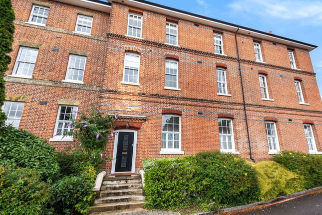 Flat for sale in Alison Way, Winchester, Hampshire