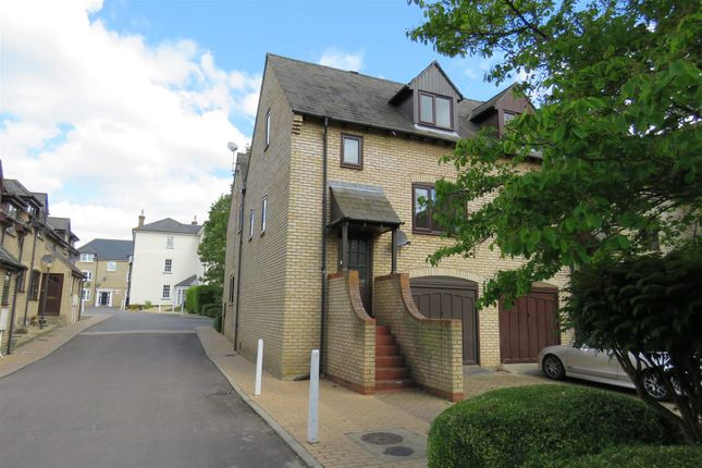 2 bed town house to rent in Lion Yard, High Street, Ramsey, Huntingdon