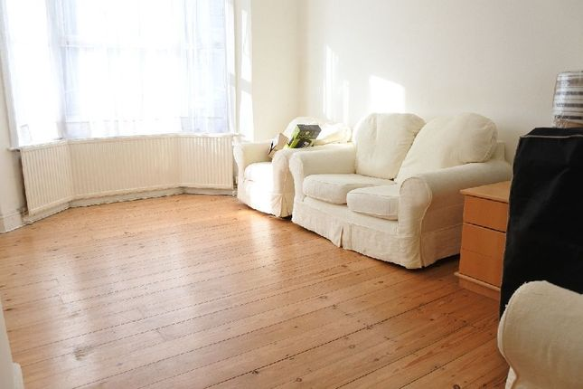 Thumbnail Flat to rent in Cheshire Road, London