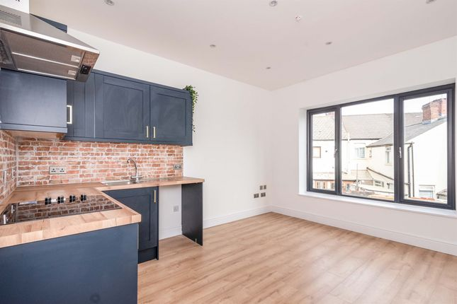 Thumbnail Flat for sale in Whitchurch Road, Heath, Cardiff