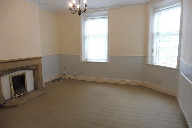Thumbnail Flat to rent in King Cross Road, Halifax