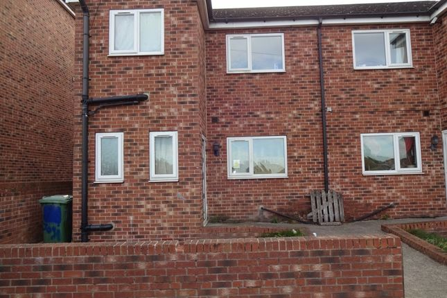 Thumbnail Semi-detached house to rent in Kinsley Street, Kinsley