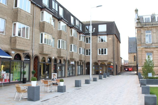 Thumbnail Flat to rent in 16 Colquhoun Square, Helensburgh
