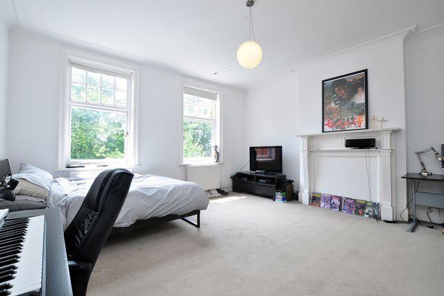 Bedroom-2-107 of Bracknell Gardens, London NW3