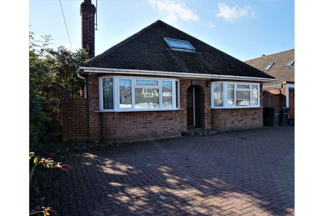 Thumbnail Detached bungalow for sale in Ashcroft Road, Luton