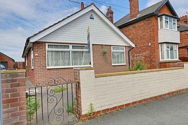 Thumbnail Detached bungalow for sale in Golf Links Road, Hull