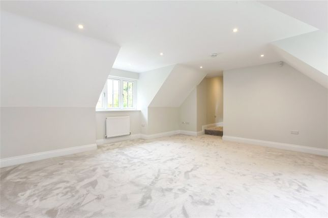 Picture No. 10 of Wick Hill, Finchampstead, Wokingham, Berkshire RG40