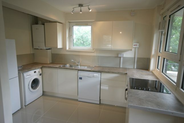 Thumbnail Flat to rent in Castlecombe Drive, London