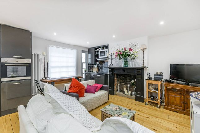 2 bed flat for sale in Chepstow Road, Notting Hill