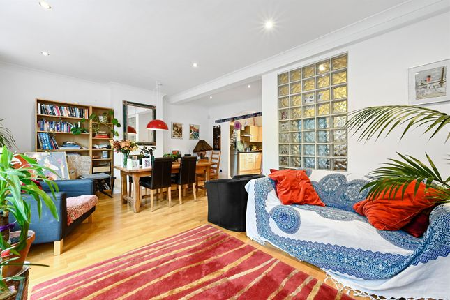 Thumbnail Flat for sale in Colston Road, London