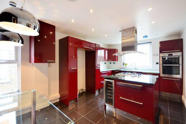 Thumbnail Flat to rent in Burrows Road, Kensal Green