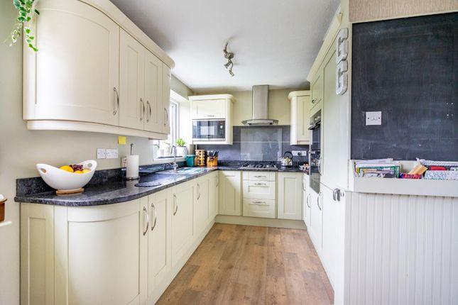 Slessor Road 33 Kitchen