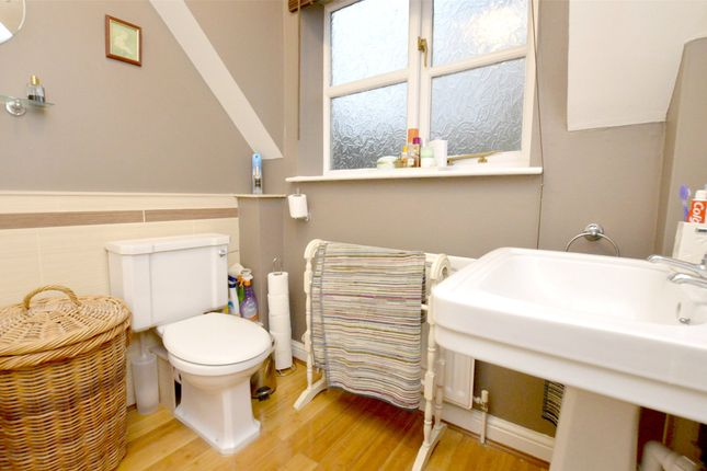 Picture No. 35 of September Cottage Selsley Road, North Woodchester, Stroud, Gloucestershire GL5
