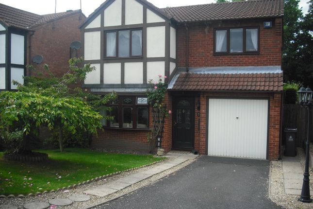 Thumbnail Detached house to rent in Woodbridge Close, Bloxwich, Walsall