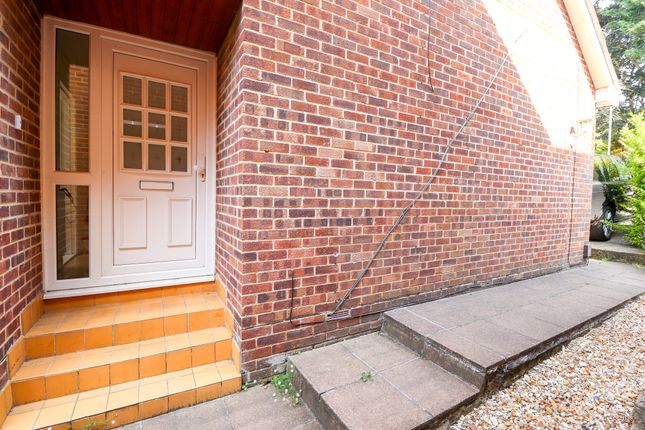 Thumbnail Semi-detached house to rent in The Heights, Wallington, Fareham