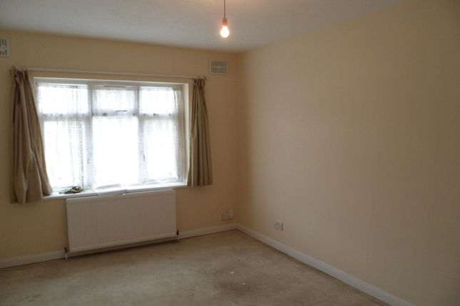 2 bed flat to rent in Norton Road, Wembley Central